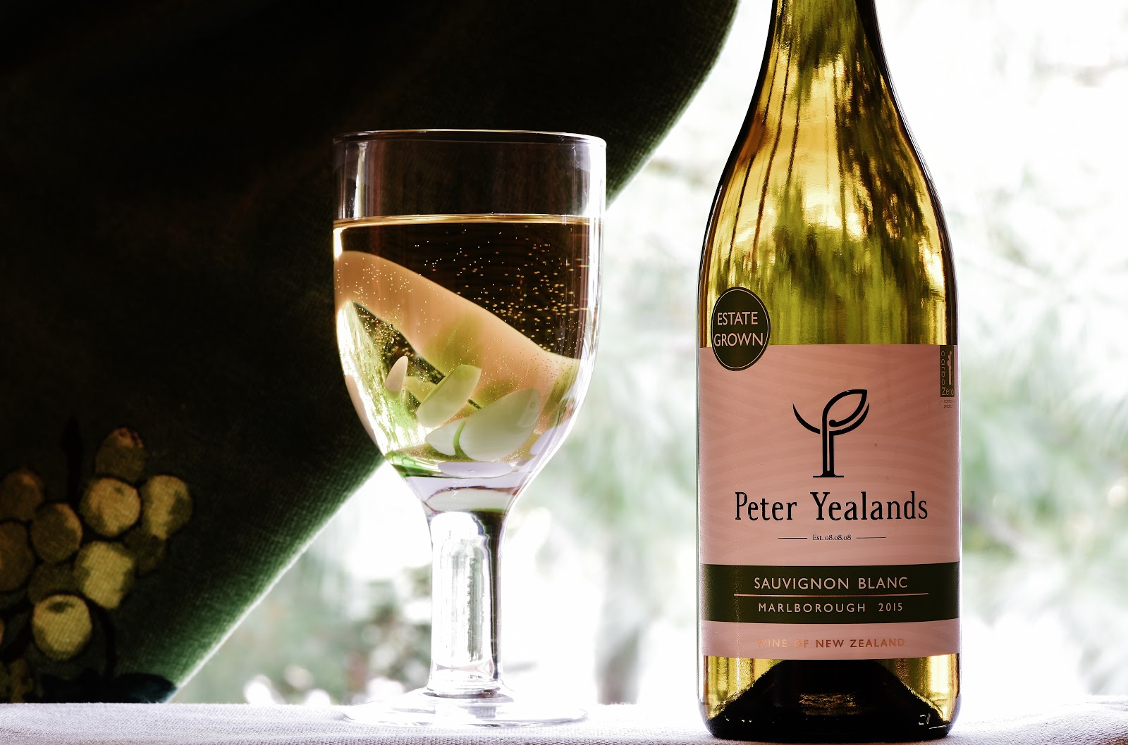 peter yealands sauvignon blanc review