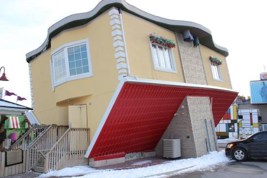 upside down house niagara falls review