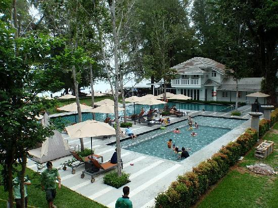 lone pine hotel penang review